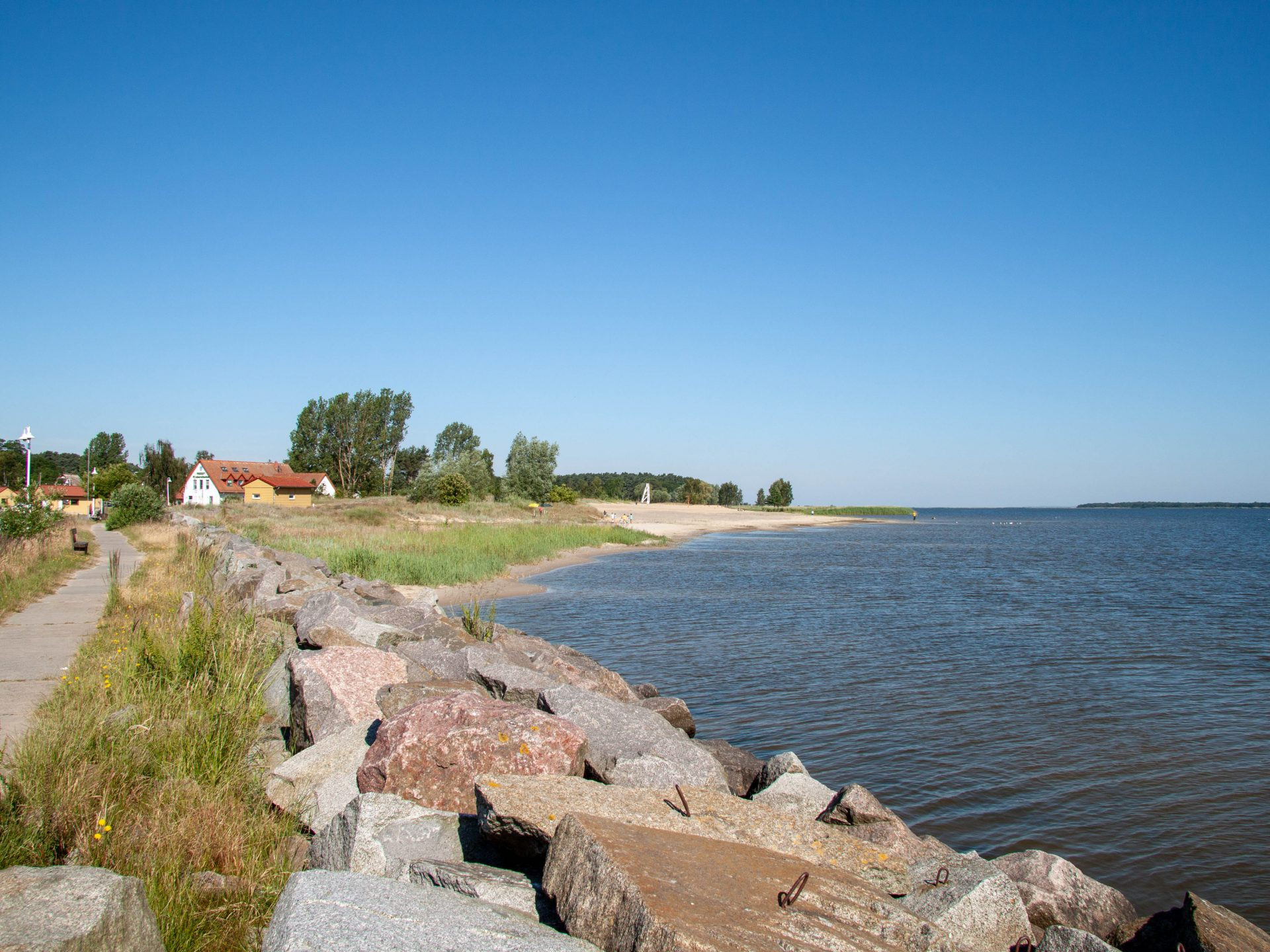 Bodden mit Badestelle in Freest